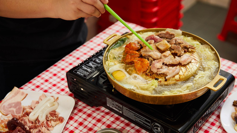Nana Thai mookata Thai barbecue