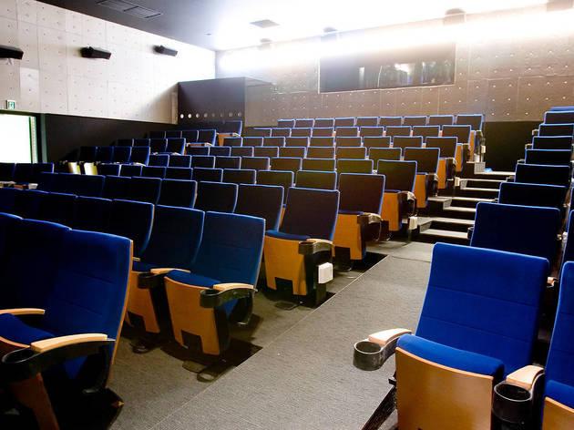 東京、緊急事態宣言下における映画館の対応