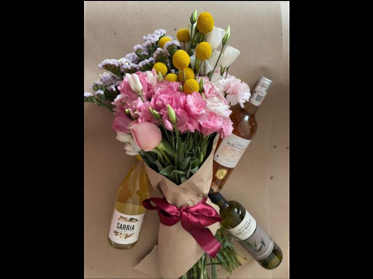 Vino y  flores: Taller de Ramos