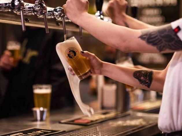 Cervezas La Virgen, Callejón de La Virgen