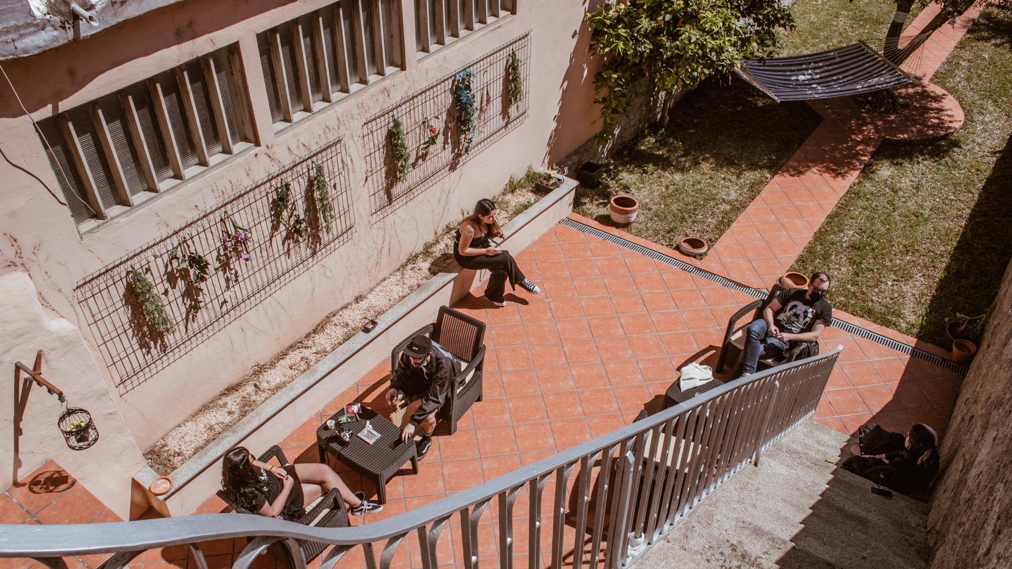 Há uma nova loja de discos no Porto com um jardim secreto