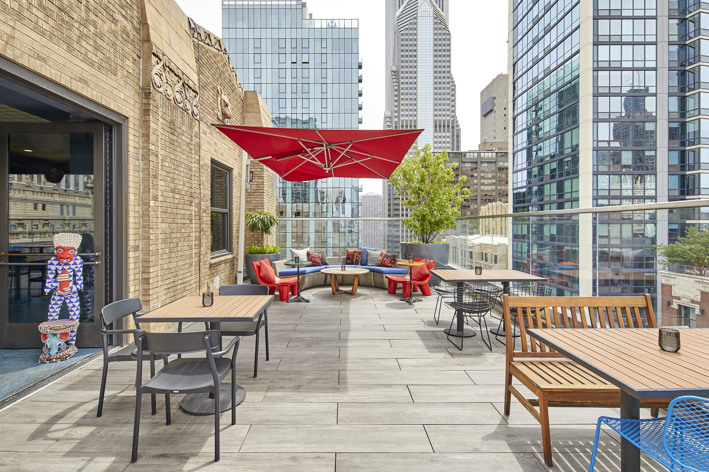 Cerise rooftop at Virgin Hotel Chicago