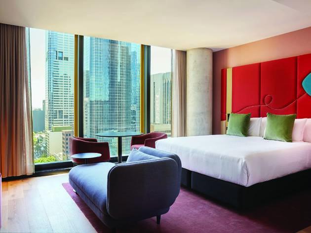 Quincy Hotel Melbourne room