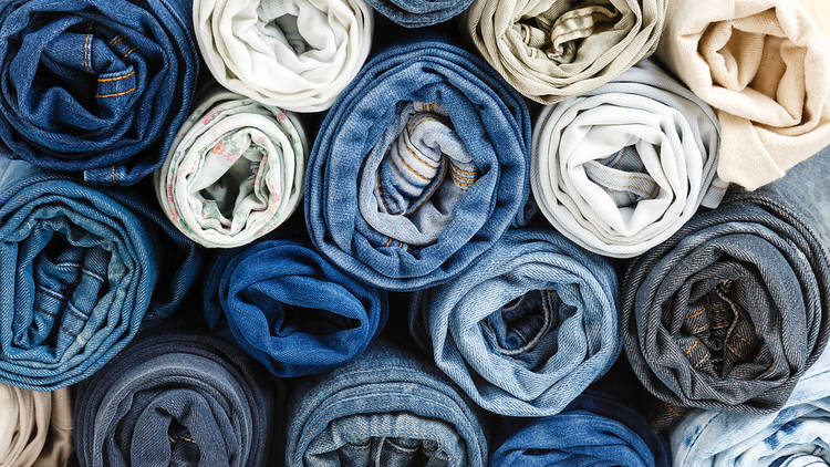 Pantalones vaqueros de diferentes colores