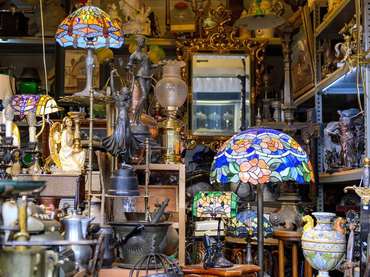 Bazar de antigüedades en la Roma