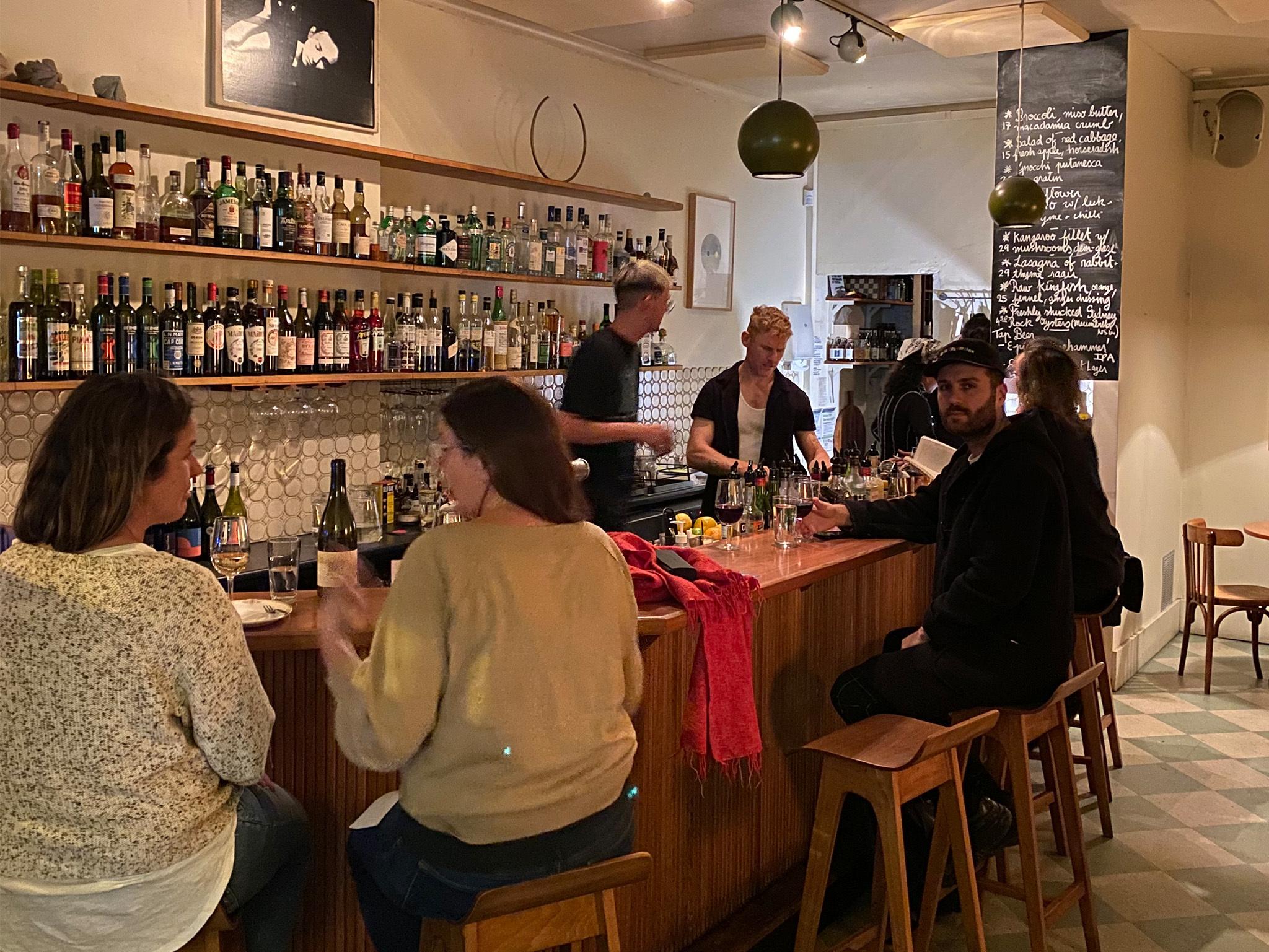 Long Play, bar en Australia