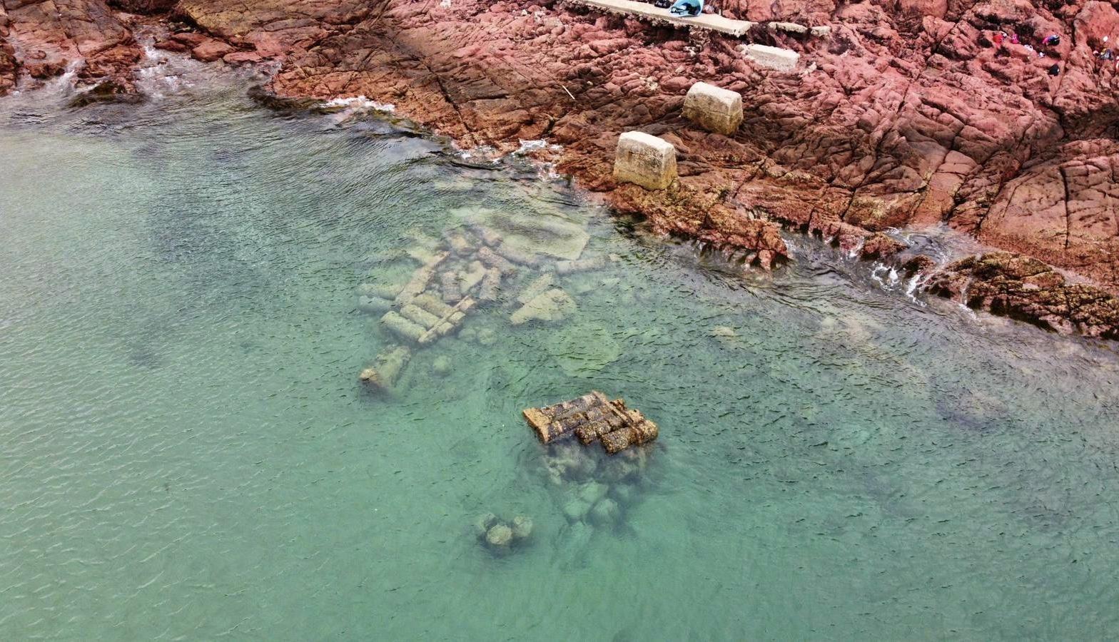 探索香港奇景鬼手岩