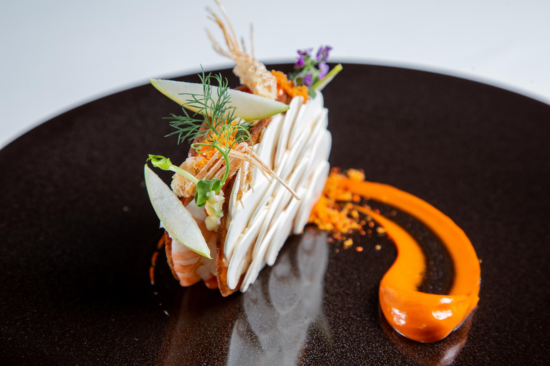 エビを余さず使ったSDGsメニュー『天使の海老のモダンなサンドイッチ仕立て』(Photo:帝国ホテル)