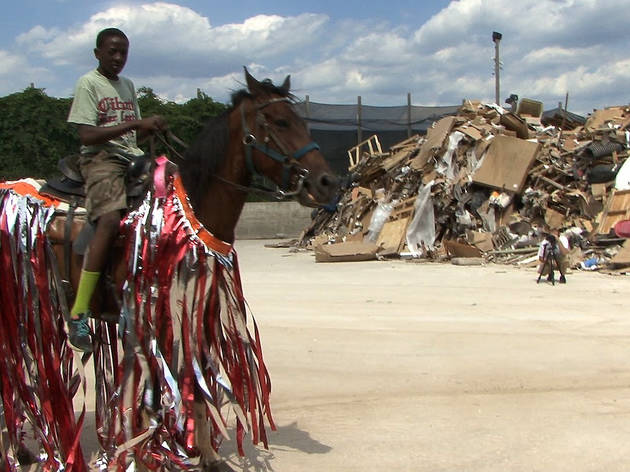 Mohamed Bourouissa, Horse Day, 2014 - 2015 video dyptic (color sound) 13'32'' Production MOBILES, with PMU support © ADAGP, Paris 2018 Courtesy the artist and kamel mennour, Paris/London.