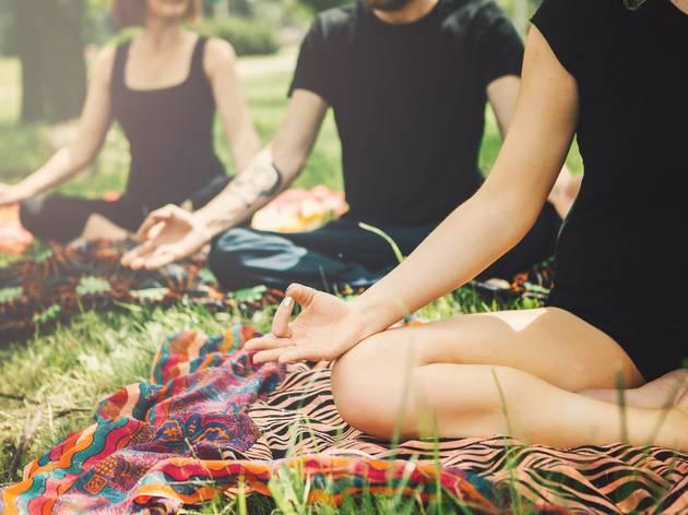 Yoga, plans esport al sol