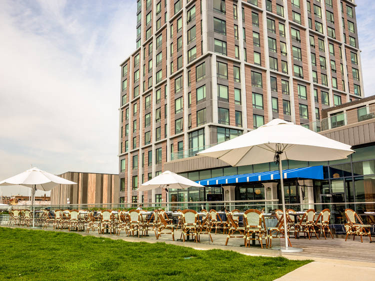 The best restaurants for outdoor dining in Boston