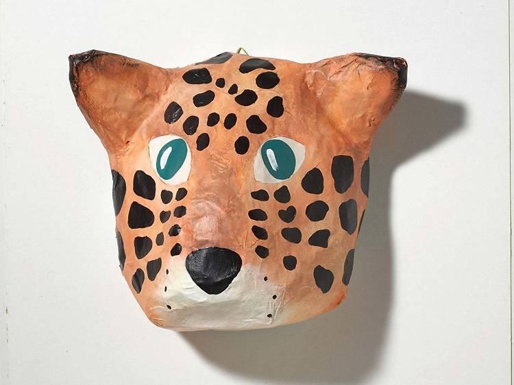 Leopardo em papier mâché