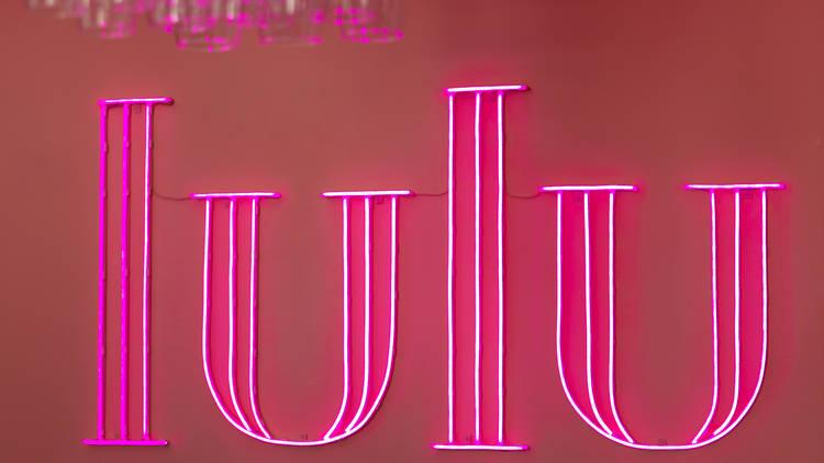 Noite, Bar, Lulu, um Pub Bonito