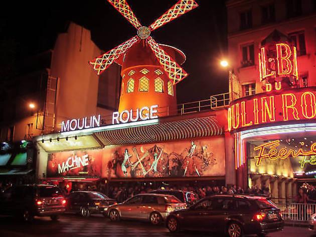 Le festival de cinéma en plein air revient sur le toit de la Machine du Moulin Rouge