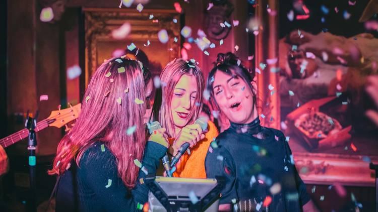 Bunga Bunga Battersea karaoke