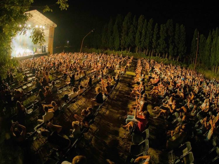 Festivales de música, danza y comedia