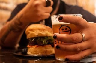La Buena Muchacha, hamburguesa de suadero en Cencerro