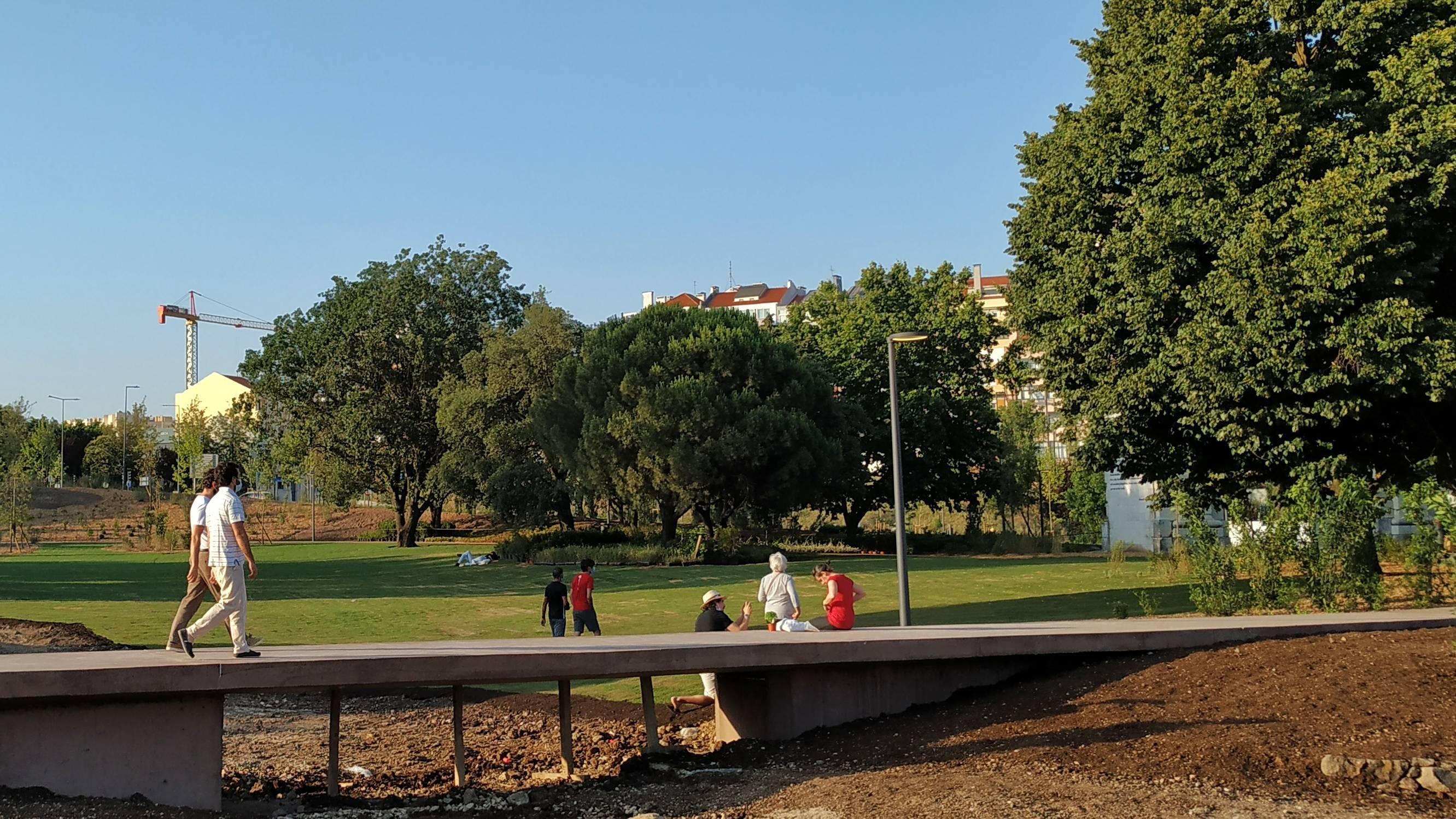 Novo parque na Praça de Espanha são dois: um quase pronto, o outro assim-assim