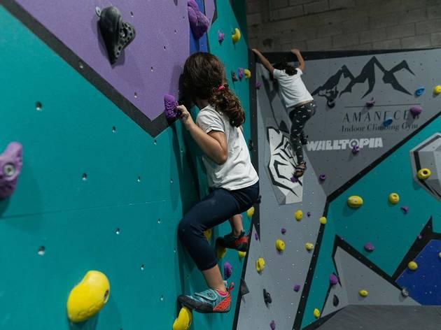 Amanecer Climbing