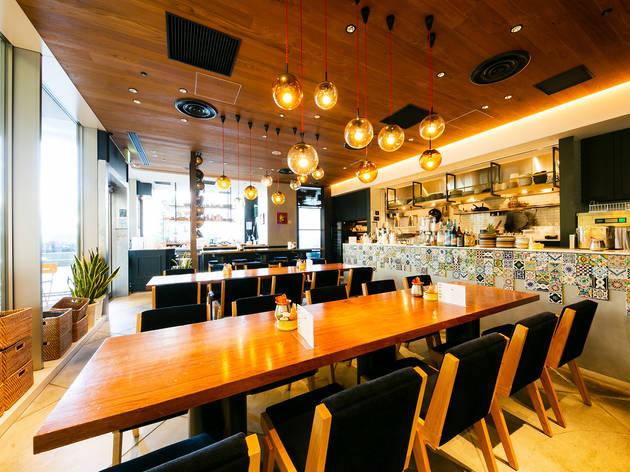 日本になかった、大人数でシェアをするタイ料理店の高級業態(Photo: Keisuke Tanigawa)