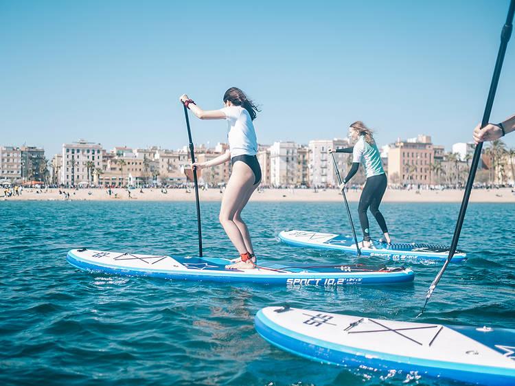 En el mar y con vistas a Barcelona