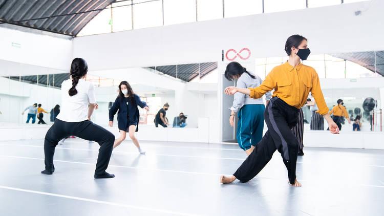 La infinita compañía, escuelas de danza y teatro en la Ciudad de México