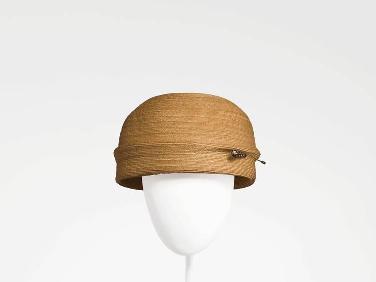 'Balenciaga. La elegancia del sombrero' en el Museu del Disseny de Barcelona