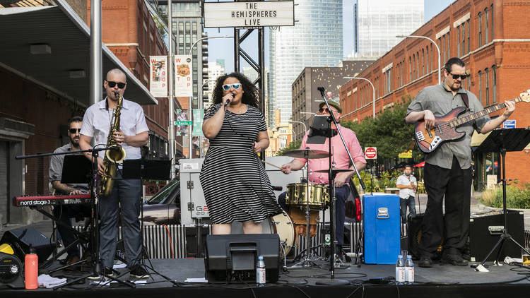 Time Out Market Chicago live band
