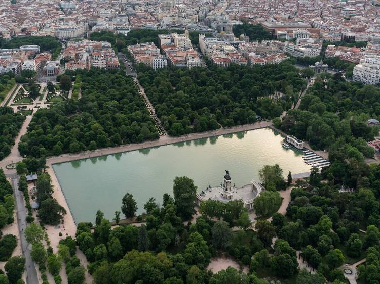 Dar un paseo por la atracción más turística de Madrid