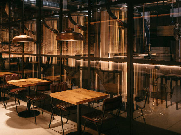 Abre La Textil, una macro-cervecería artesana que produce todas sus cervezas