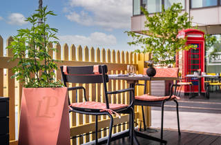 sea containers, terrace (Photographer Paul Winch-Furness)