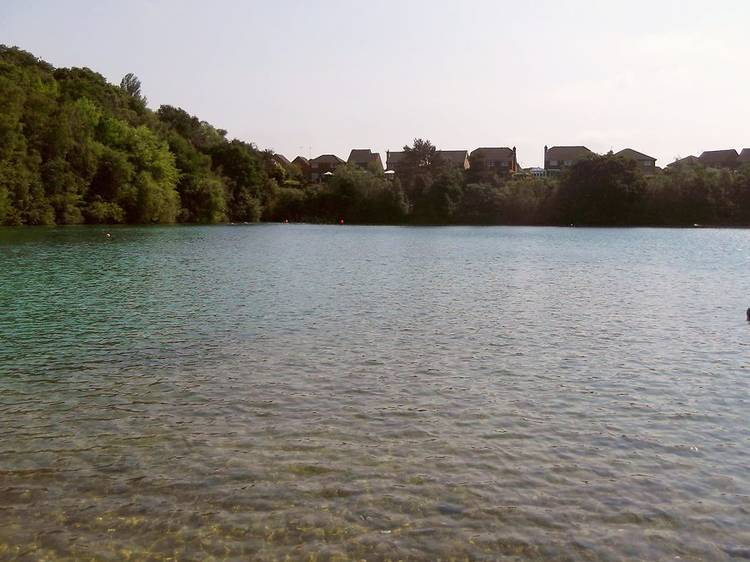 Divers Cove Reservoir, Godstone