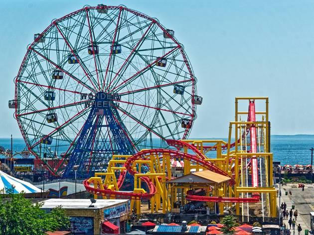 Deno's Wonder Wheel Amusement Park