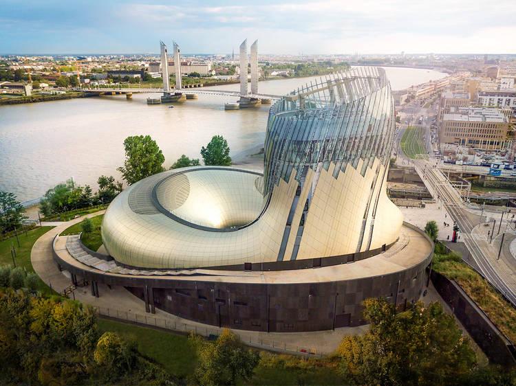 On s'est rendu à la Cité du Vin, le lieu culturel devenu incontournable à Bordeaux