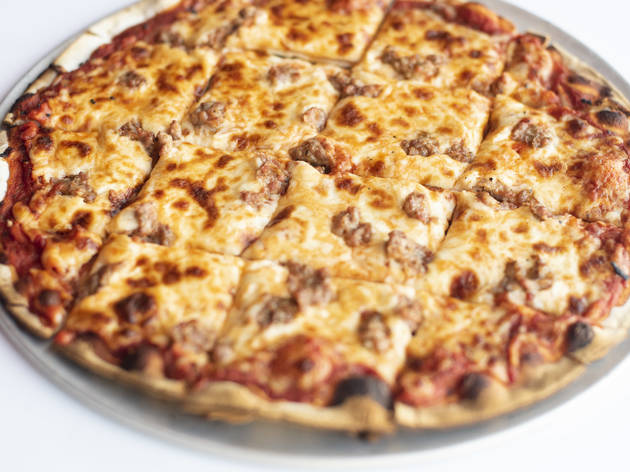 How Candlelite became a tavern-style pizza icon in Chicago