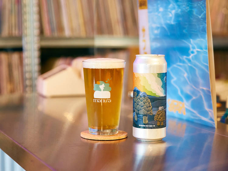 レコードを聴きながらCBDビールを味わえるアナログバーが神泉に開店