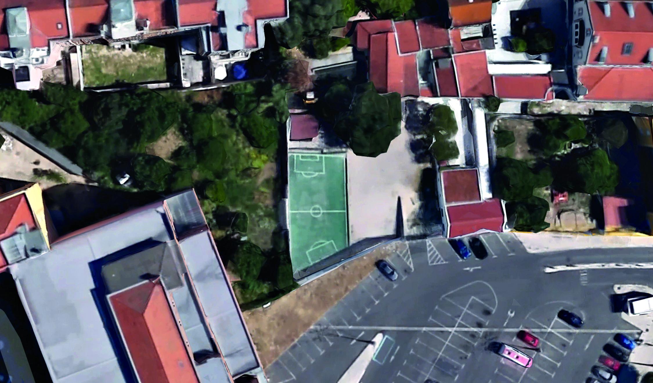 Campo na Avenida Gago Coutinho