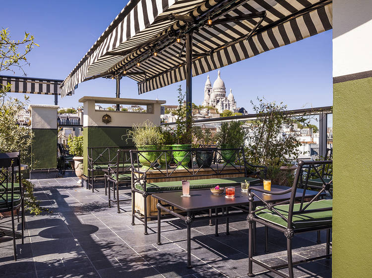 Le Bar sur le Toit, de l'hôtel Rochechouart