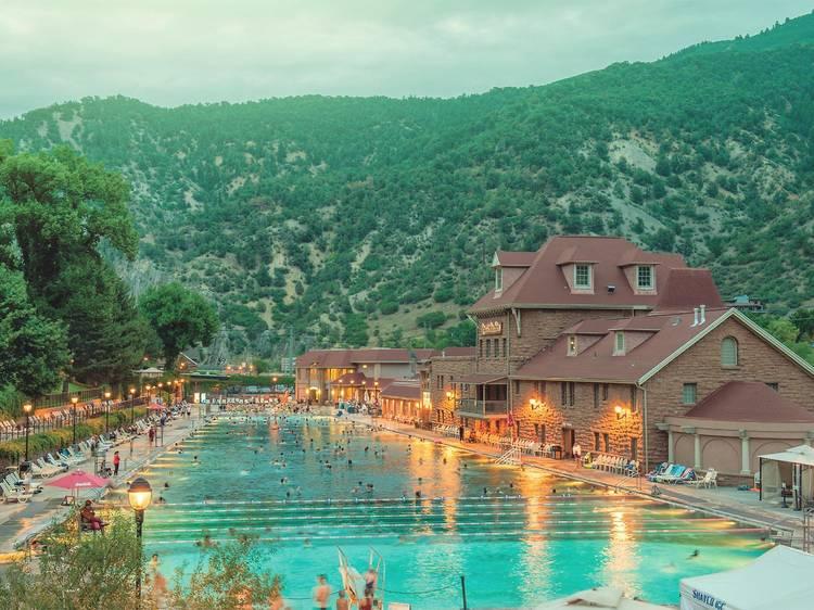 Glenwood Hot Springs, Glenwood Springs