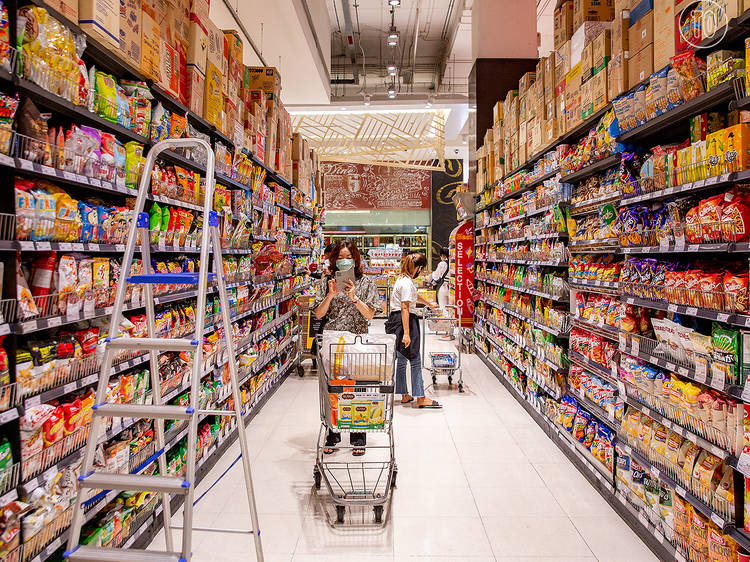 Major supermarkets announce operating hours during the latest lockdown - UPDATED