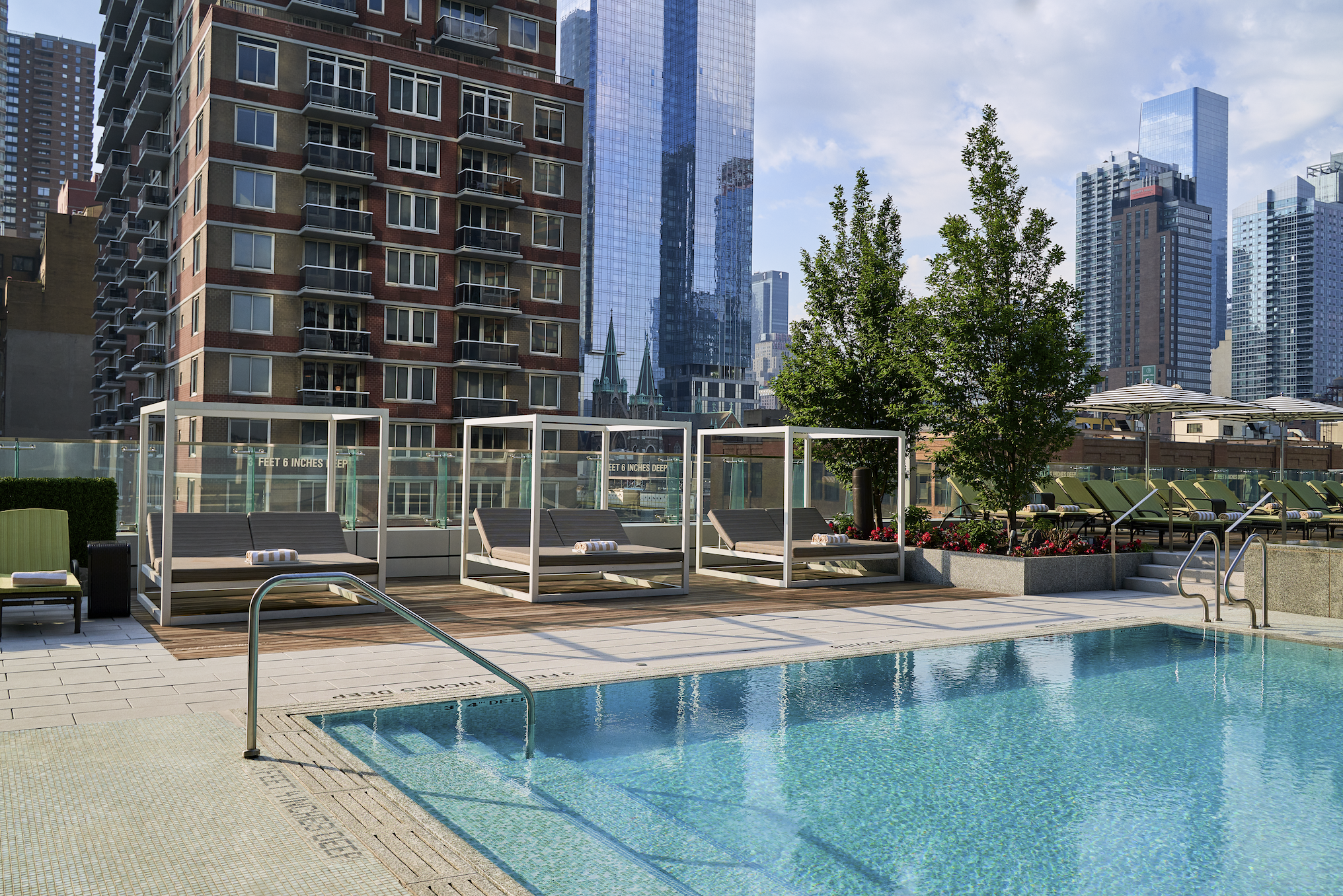 Life Time SkyDeck Outdoor Rooftop Pool