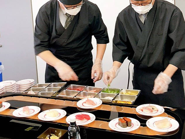 This takeout sushi comes with its very own sushi conveyor belt