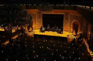 Concerto à luz das velas no Ateneu Comercial do Porto