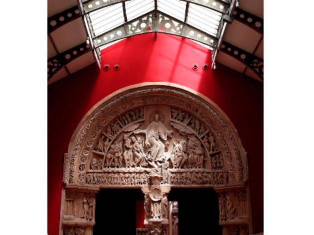/ © CAPA/MMF/David Bordes Vézelay, basilique Sainte-Marie-Madeleine, portail central du narthex, 1125-1130 / Moulage réalisé en 1881 par Jacques-Ange Corbel