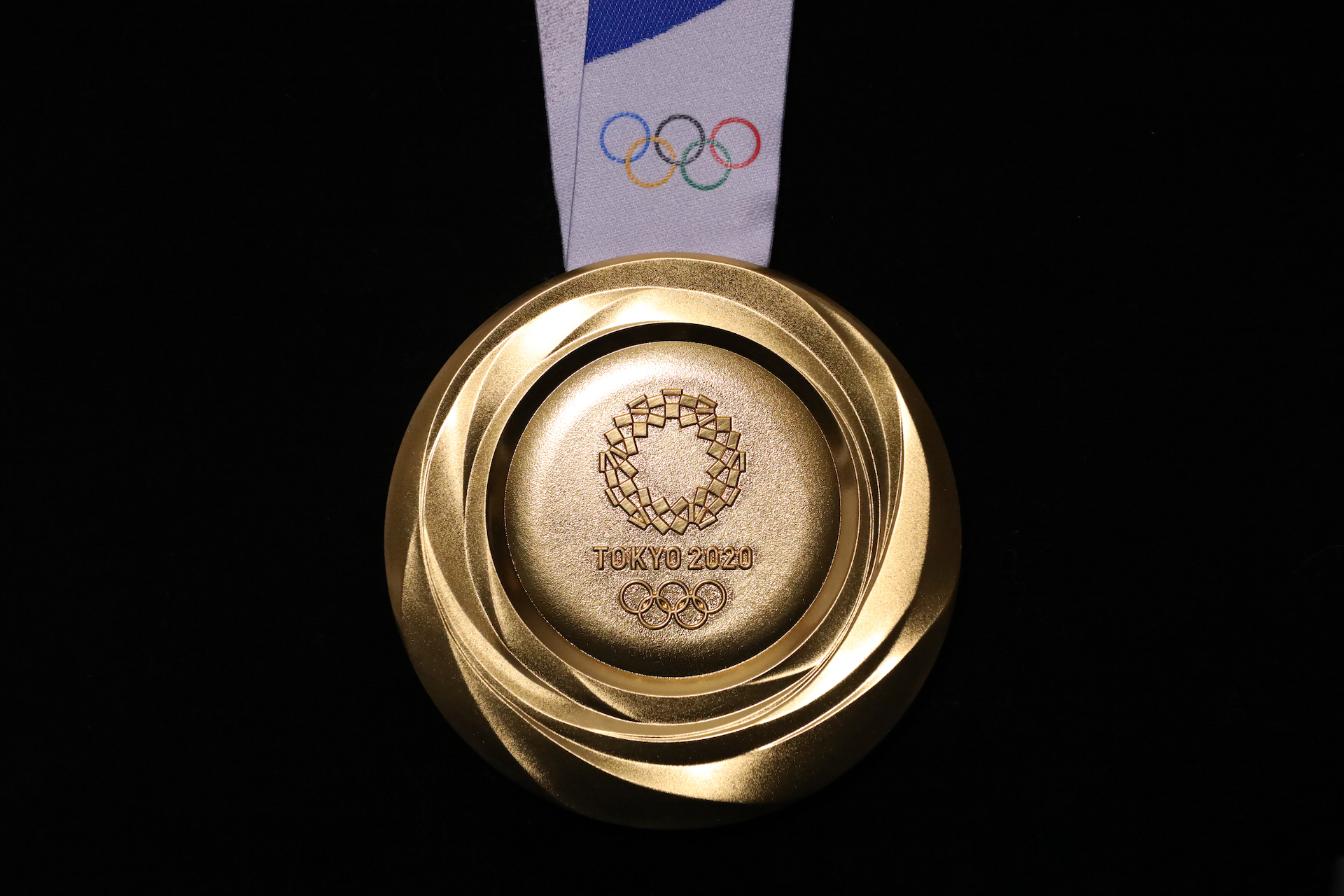 Tokyo 2020 gold medal