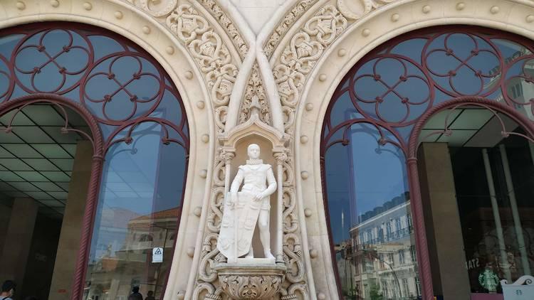Réplica de estátua de Dom Sebastião no Rossio