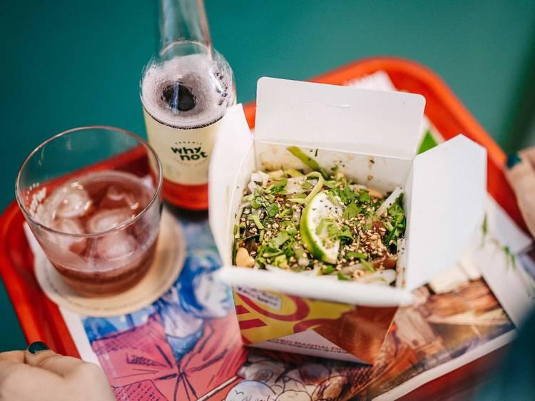 Mixed Martial Rice: inspiração tailandesa e comida de rua à mesa