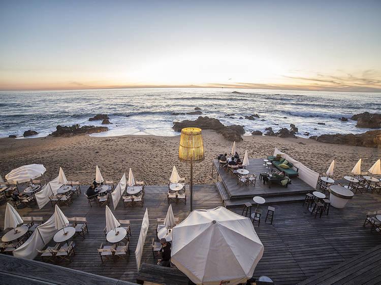 Os melhores bares de praia no Porto
