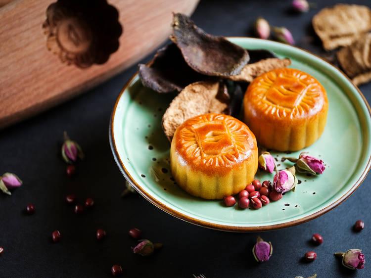 香格里拉集團:50年陳皮豆沙玫瑰月餅