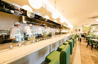 リナストアズ表参道レストラン&デリカテッセン(Photo:Keisuke Tanigawa))